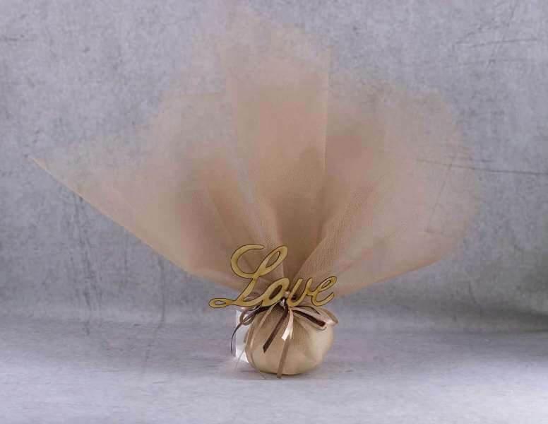 44c32c734730 Μπομπονιέρες γάμου με τούλι και ξυλινο love